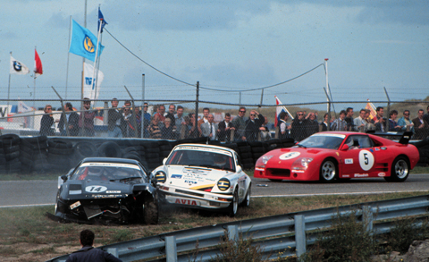 crash-ferrari-porsche-2