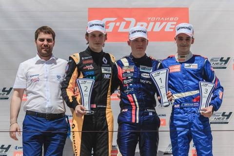 podium-race1-smp-f4