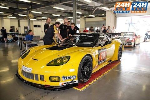 180112 Dubai NL V8Racing