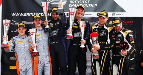 podium-gt3-r1-snetterton