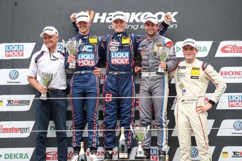 podium-tcr-race2