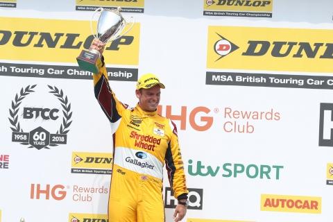 podium-chilton