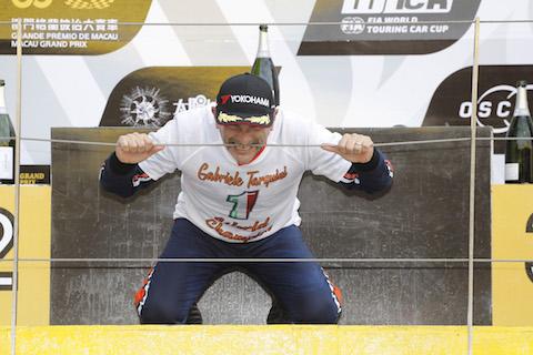181118 WTCR Tarquini podium