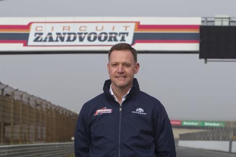 Persbericht - Robert van Overdijk-Essay2