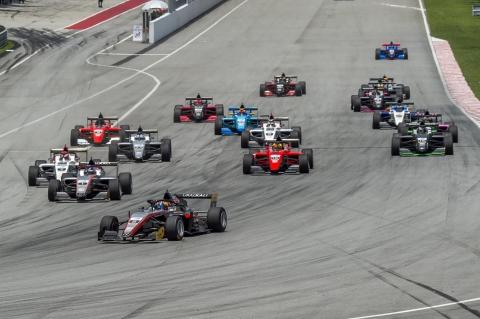 F3AC Race 3 Start