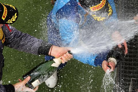 champagne-douche