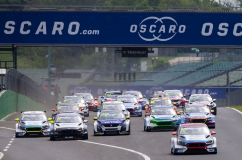 Hungaroring R1 start