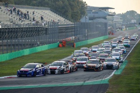 2019 EUR Monza R1 start 50