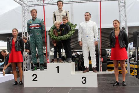 podium 6940
