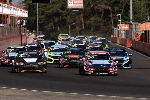 2020 TCR Europe Zolder Race 1 start 48