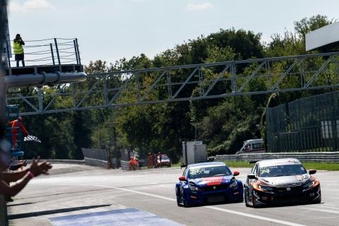 2020 TCR Europe Monza Race 2 final sprint
