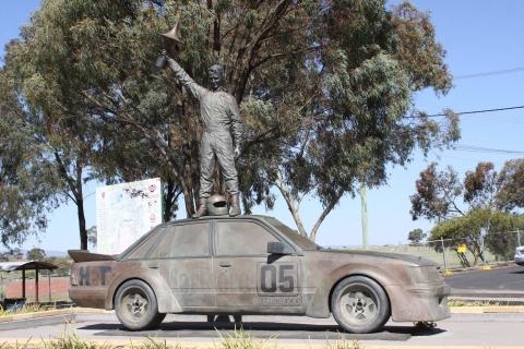 200217 Holden Brock statue