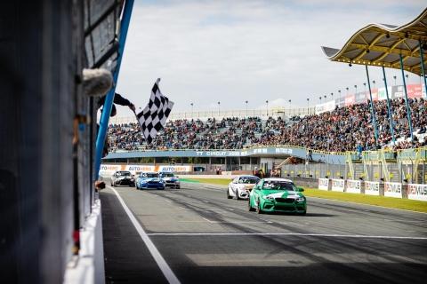 210922 BMW R2 finish